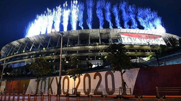 A visão do lado de fora do Estádio Nacional do Japão durante a Cerimônia.