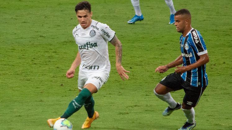 A vitória do Palmeiras sobre o Grêmio no jogo de ida da final da Copa do Brasil passou pelas excelentes atuações de Raphael Veiga e do zagueiro Gustavo Gómez, os protagonistas do gol da partida. Ambos brilharam intensamente no confronto (por Nosso Palestra)