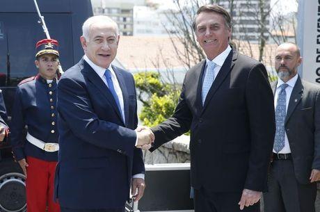Visita de Bolsonaro a Israel marca período de lua de mel