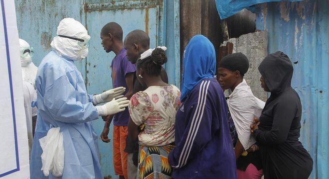 O ebola já matou mais de 900 pessoas na República Democrática do Congo