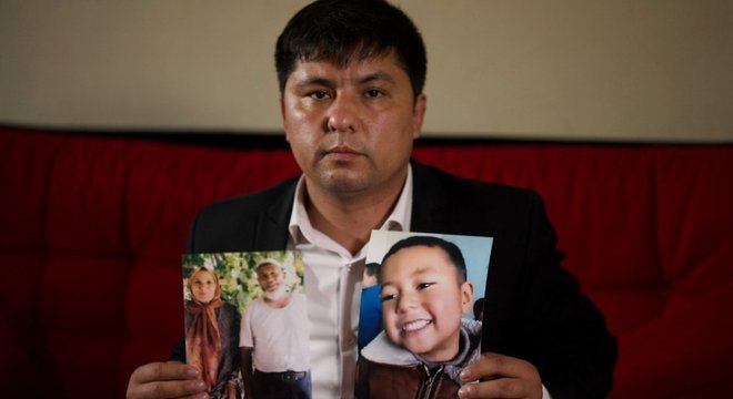 China está separando crianças de seus pais e colocando-as em internatos