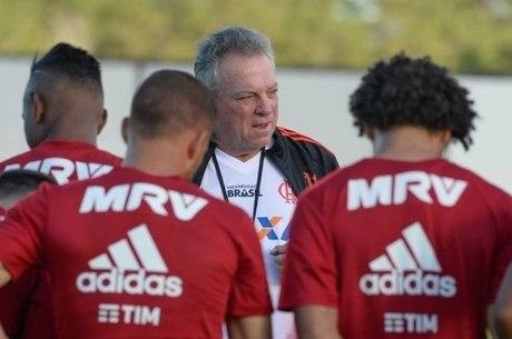 d765c3c94db Flamengo gasta mais de R  100 milhões para não ficar no cheirinho ...