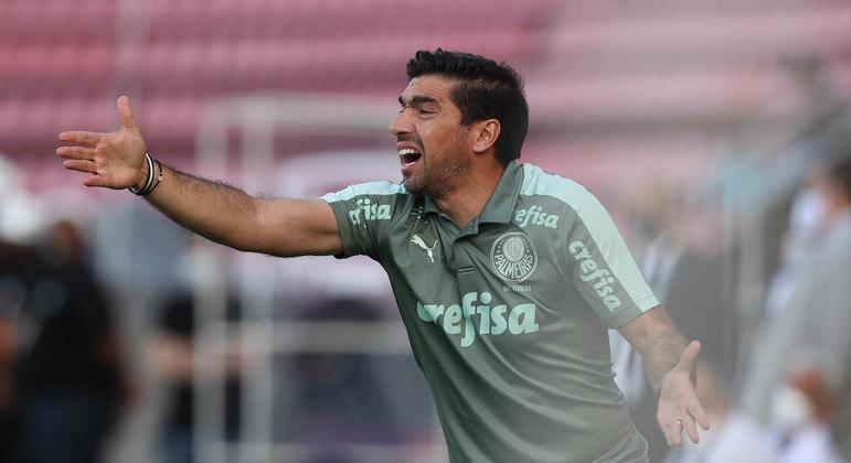 Abel Ferreira foi o responsável pelo jogo sem emoção, modorrento, em Recife