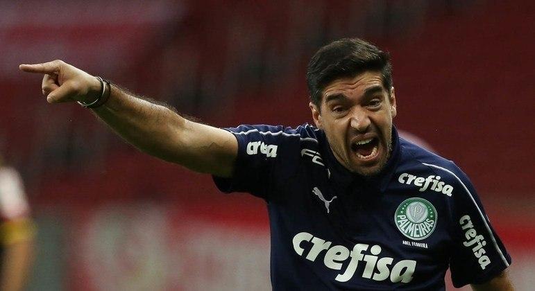 Abel Ferreira quer o time sem covardia na decisão, contra o Grêmio