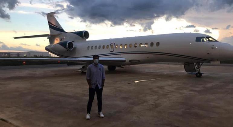 Abel Ferreira e o avião particular de Leila Pereira, de R$ 340 milhões