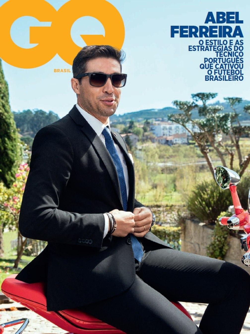 Abel Ferreira. Pose de modelo para revista masculina. Na véspera da decisão da Recopa