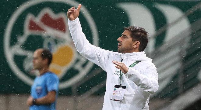 Abel Ferreira é o responsável pela campanha histórica do Palmeiras na Libertadores