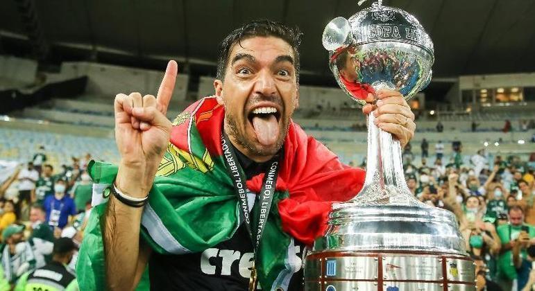 A alegria de Abel Ferreira, com a conquista da Libertadores de 2020, passou. Ele está irritadiço
