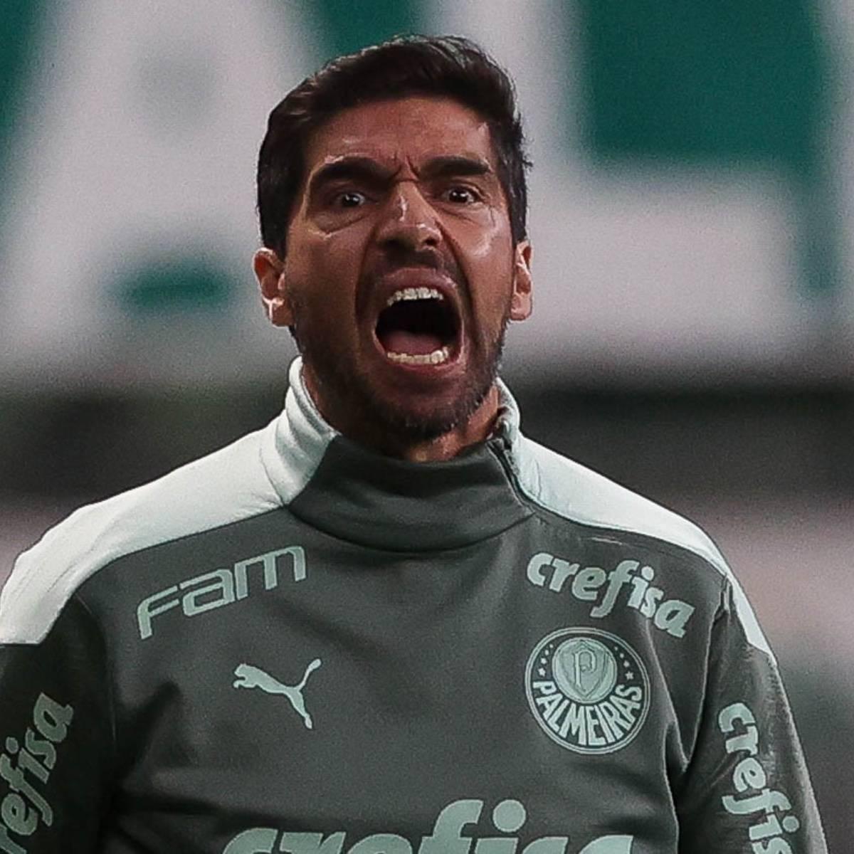 Abel Ferreira assumiu. Montou o Palmeiras, em casa, apenas para marcar o Atlético