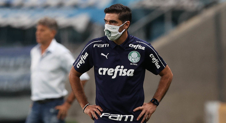Abel Ferreira surpreendeu Renato Gaúcho. Marcação alta, corajosa. Nada de retranca