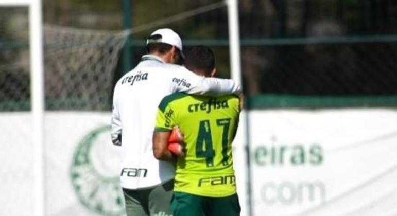 Abel Ferreira e Dudu. Cumplicidade. Os dois estão obcecados pela Libertadores e Brasileiro