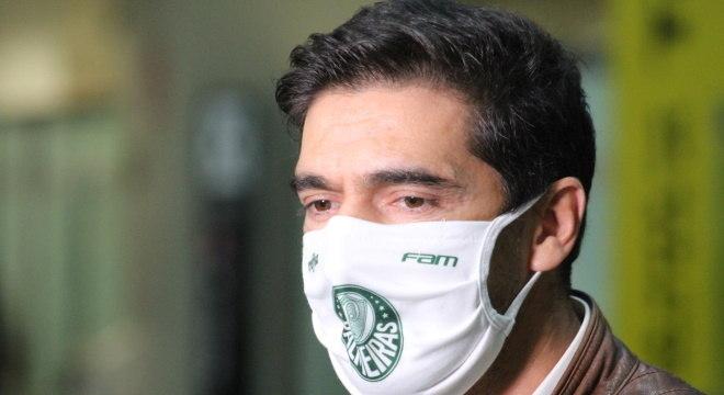 Abel Ferreira também precisa dar uma reviravolta na carreira. Fracassou na Grécia