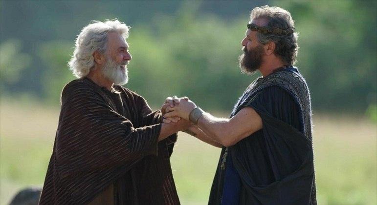 Abimeleque (Leonardo Franco) fez uma aliança com Abraão (Zécarlos Machado)
