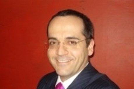 Abraham Weintraub toma posse nesta terça-feira (9)