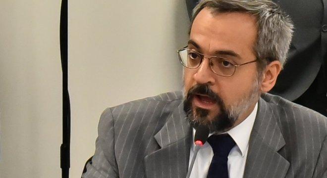 """Ministro da Educação, Abraham Weintraub, não quer mais """"solavancos"""""""