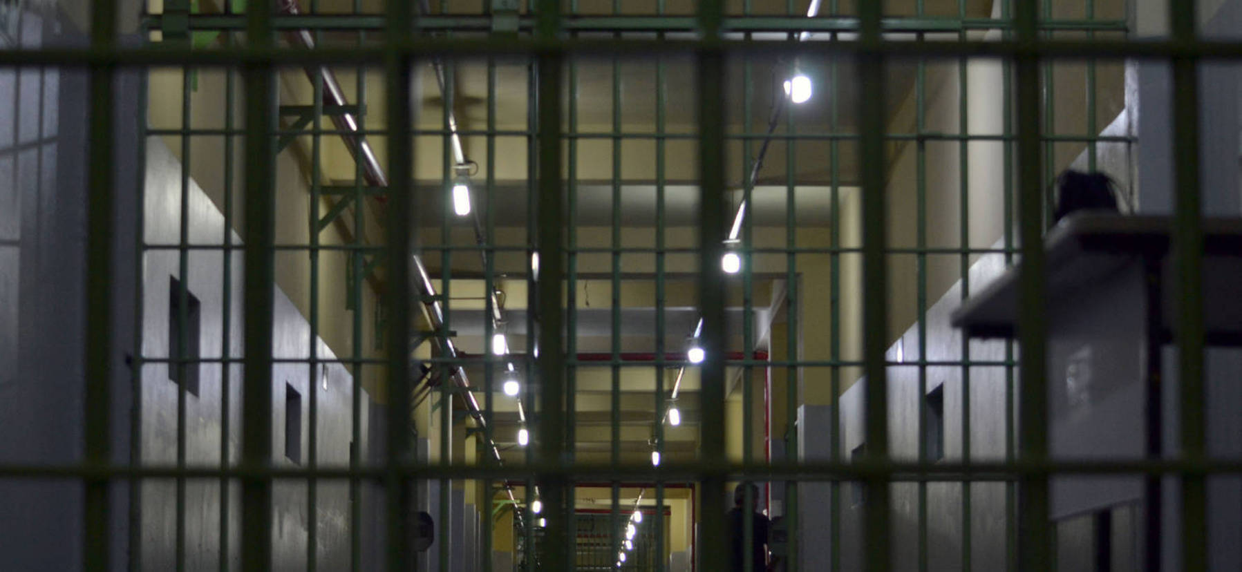 Na Penitenciária de Pirajuí, corredores separam os quatro pavilhões do regime fechado (Fabíola Perez / R7)