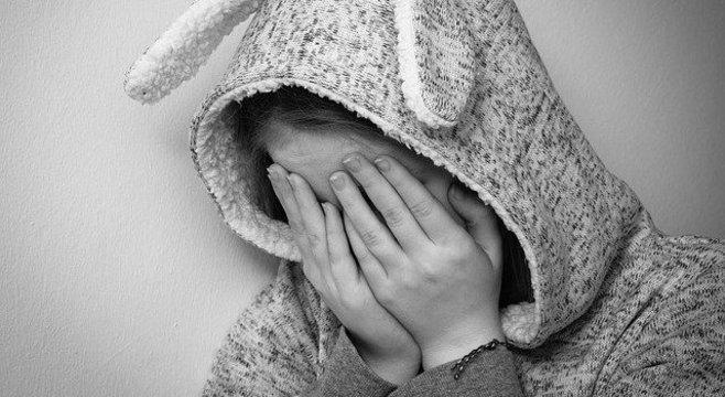 Crianças vítimas de abuso sexual enfrentam série de violações