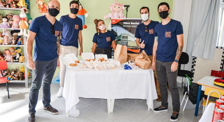 Instituição celebrou o Dia do Hambúrguer com as crianças com deficiência e vulneráveis da ONG