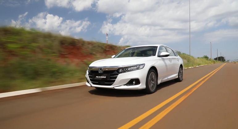 A Honda acaba de apresentar o novo Accord, já na linha 2022 que chega ao Brasil com motorização híbrida