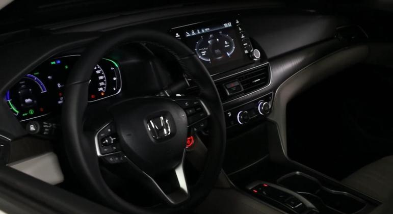 A principal novidade fica por conta do sistema e:HEV, que oferece uma tecnologia distinta dos outros modelos hibridos