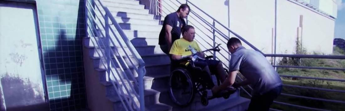 Cidadãos sofrem com falta de acessibilidade em centro de reabilitação