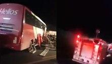 Acidente entre ônibus e caminhão mata sete pessoas no interior de SP