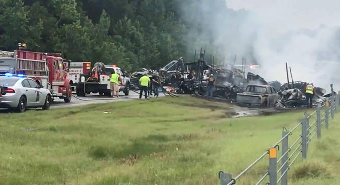 Nove crianças e um adulto morrem em acidente de trânsito nos EUA
