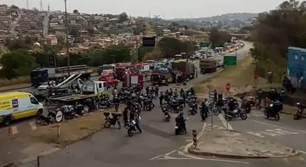 Acidente bloqueou trânsito no Anel Rodoviário