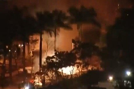 Avião caiu na Avenida Braz Leme, na zona norte de São Paulo