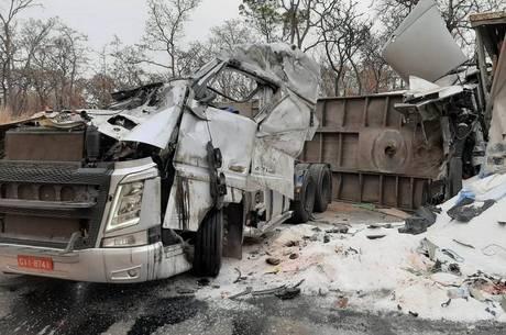 Veículos tinham placa do Paraná
