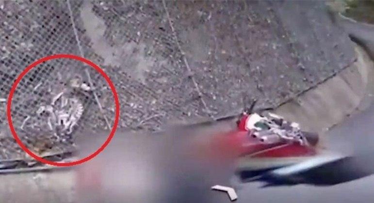 Internautas identificaram elemento tão suspeito quanto obscuro em imagem do Google