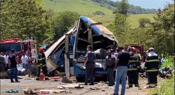Acidente com ônibus que deixou 41 mortos em Taguaí (SP), em 25 de novembro de 2020