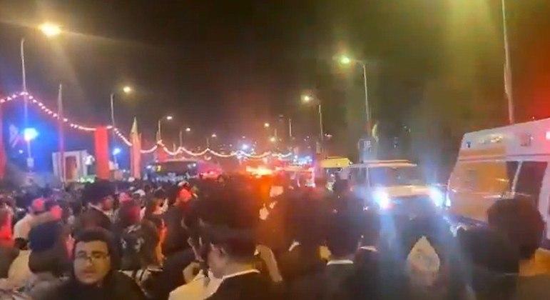 Dezenas de ambulâncias foram mobilizadas para socorrer as vítimas