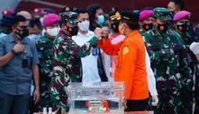 Caixa-preta de avião que caiu na Indonésia é recuperada