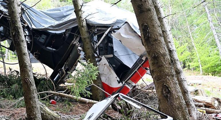 Queda de teleférico, na Itália, matou 14 das 15 pessoas que estavam a bordo