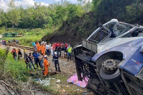 Acidente matou 19 dos quase 50 passageiros