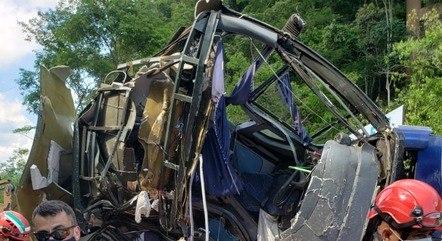 Queda de ônibus matou 19 passageiros