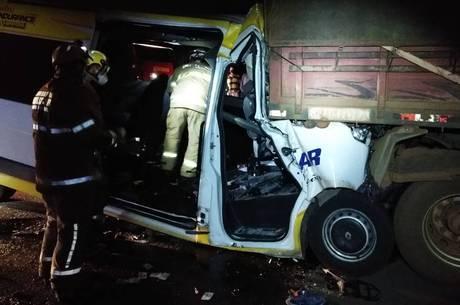 11 pessoas morreram em acidentes em MG no feriado