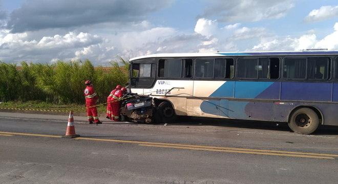 Acidente na BR-262, em MG, que matou cinco pessoas de time de futsal
