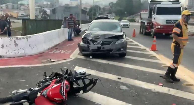 Homem morre em acidente em Itaquera, na zona leste de SP, ao tentar fugir de assalto