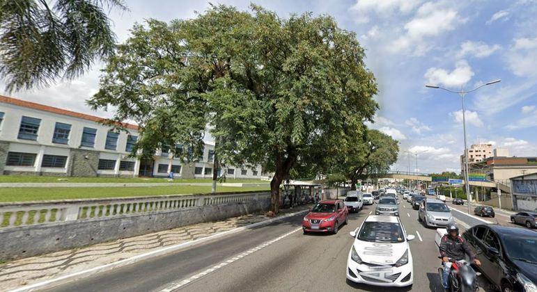 Acidente aconteceu na na avenida Moreira Guimarães, em Indianópolis