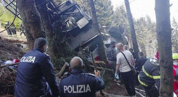 14 dos 15 passageiros de bonde morreram após acidente