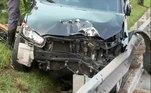 O acidente que envolveuum carro de luxo avaliado em R$ 80 mil que ficou destruído no canteiro central, na Radial Leste, na altura do bairro do Tatuapé, em São Paulo, teve desfecho tenso