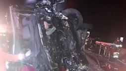 Colisão envolvendo van do grupo Sampa Crew deixa uma pessoa morta e dez feridas (Agência Record)