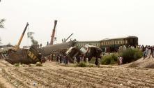 Sobe para 62 o número de vítimas da colisão entre trens no Paquistão