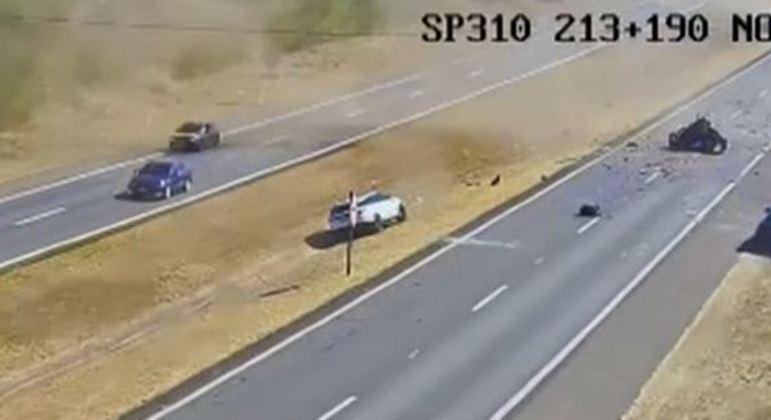 Quatro carros se envolveram na colisão na rodovia Washington Luis