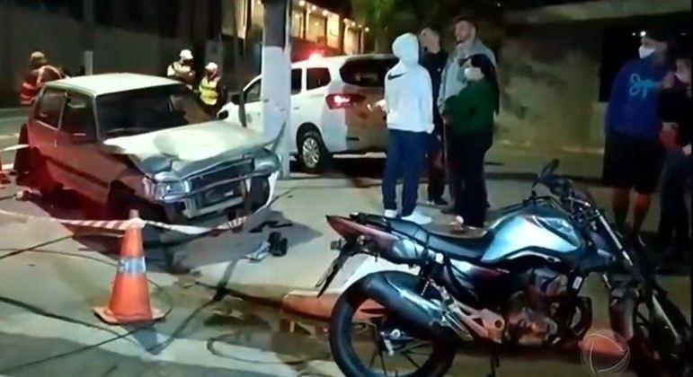 Acidente envolvendo carro e moto mata entregador na zona sul de SP