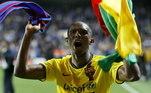 O camaronês tem passagens marcantes pelo Barcelona e Inter de Milão. Com a seleção africana foi campeão olímpico nos Jogos de Sidney, em 2000