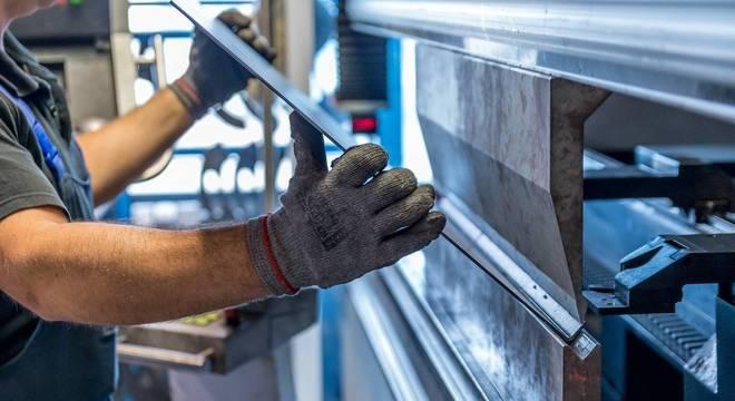 A indústria metalúrgica foi um dos setores que aqueceram as contratações
