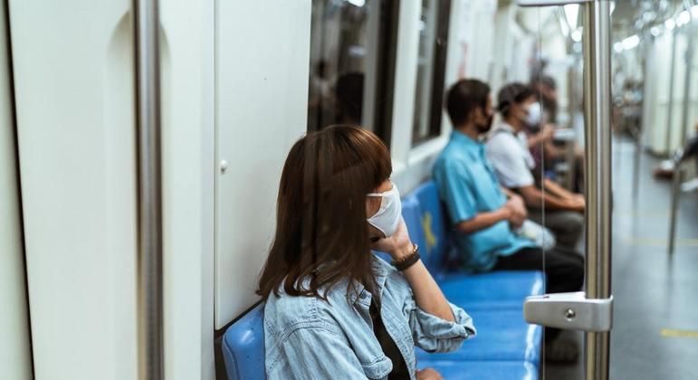 Linhas de metrô e terminais de ônibus serão locais de acolhimento durante este mês